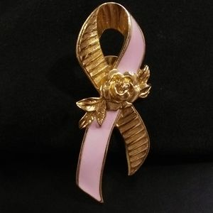 Avon breast cancer awareness ribbon pin/brooch